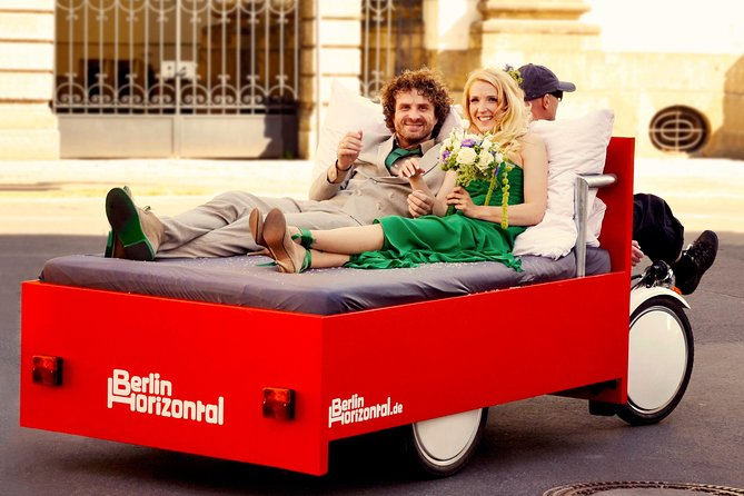 Berlin Horizontal: City and photo tours in a comfortable bed bike, 1 hour