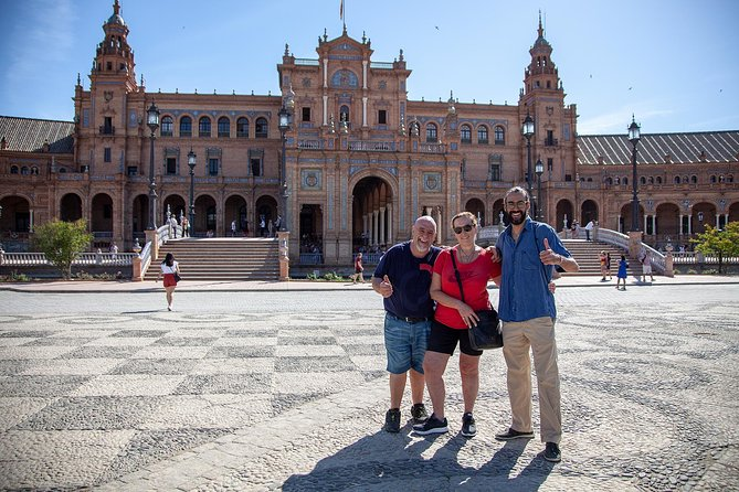 Walking tour through the monumental and historical area of Seville
