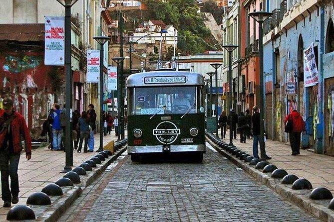 Full Day Tour to Viña del Mar and Valparaiso