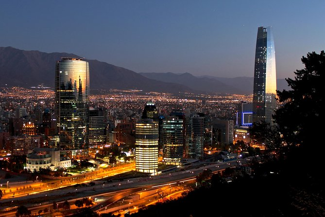Small-Group Night City Tour: San Cristobal Hill and Dinner Show