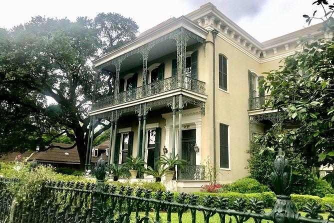 New Orleans Garden District Grandeur Walking Tour