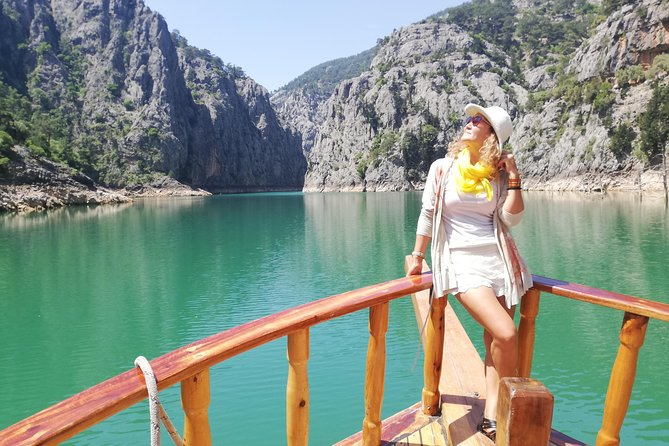 Excursion to Green Canyon - 2 Hours Boat Trip and Lunch Inclusive