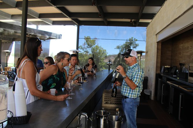 The Temecula Wine & Vine Tour -from Temecula