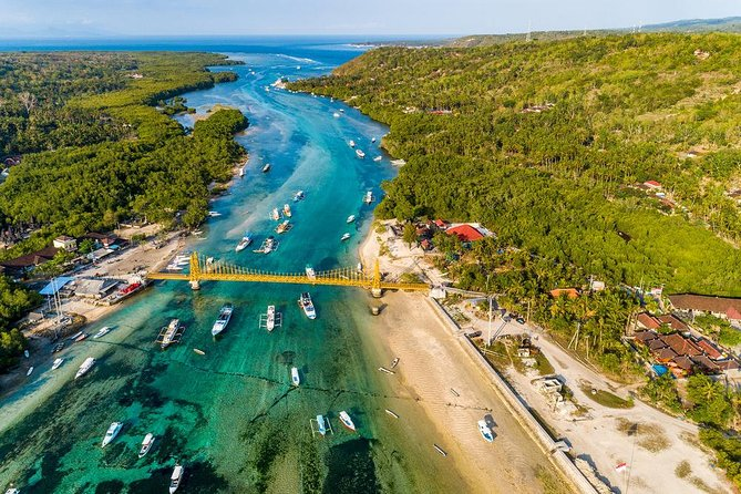 Twin Island Day Trip to Explore Nusa Penida and Lembongan Island