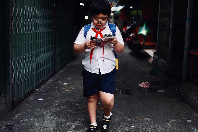 Explore Hanoi with a street photographer