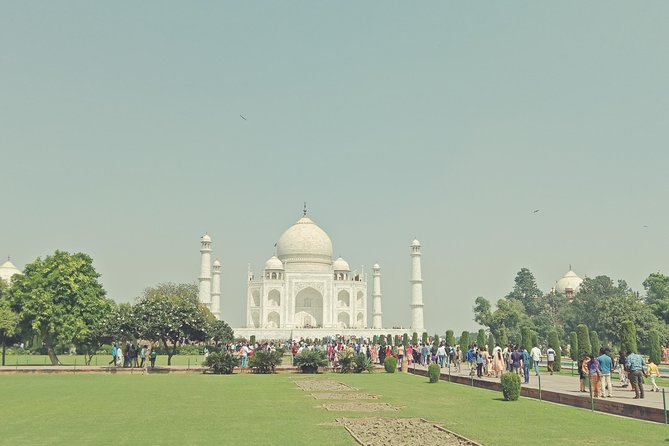 Sunrise Taj mahal Private Day Tour with Lunch and Guide