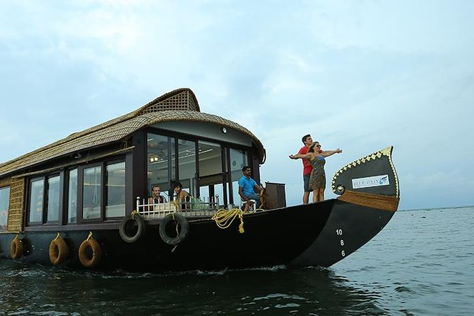Private Houseboat Backwater Day Cruise tour with Lunch from Cochin
