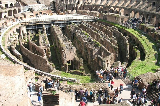 Skip the Line: ROME-Colosseum fast access Ticket w/outside historical anecdotes