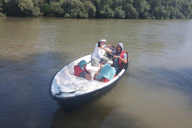 Private excursion sau transport in Delta Dunarii pana la Mila 23.
