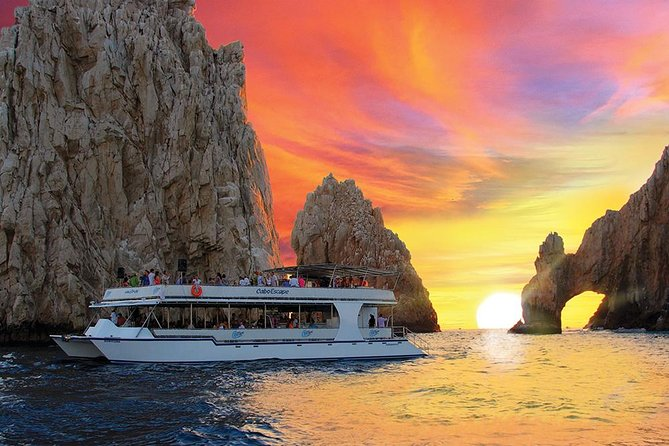 Sunset Dinner Cruise with Open Bar from Cabo San Lucas