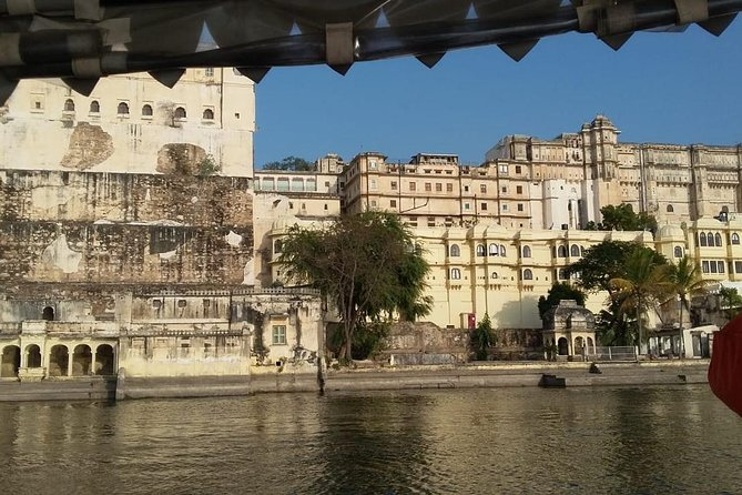 7 Days Golden Triangle Tour With Ranthambore & Udaipur -Taj Mahal, Tigers, Lakes