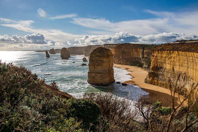 Small-Group Great Ocean Road and 12 Apostles Full-Day Tour from Melbourne