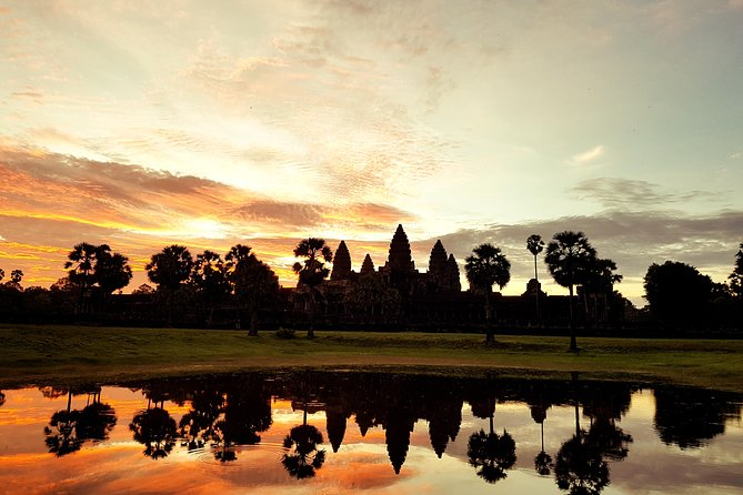 Private 1Day tour: Angkor wat sunrise of small tour and Banteay Srei temple. photo 1