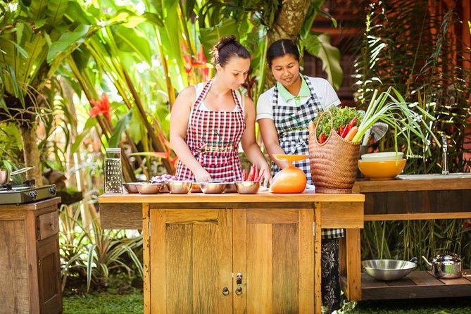 Balinese Cooking Class with 16 Recipes