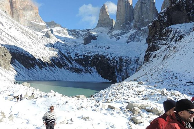 Base of Torres del Paine Hike y Excursion