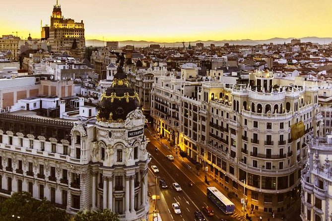 Private Guided Half Day City Tour in Madrid with Public Transportation