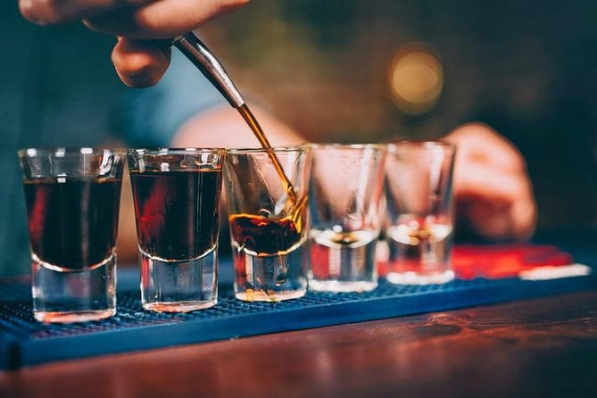 Visit Best Pubs of Delhi - Connaught Place Special