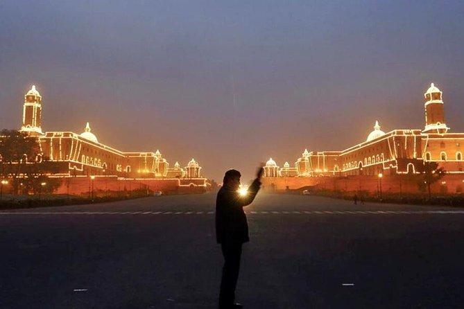 Explore Delhi at Night - Walking Tour