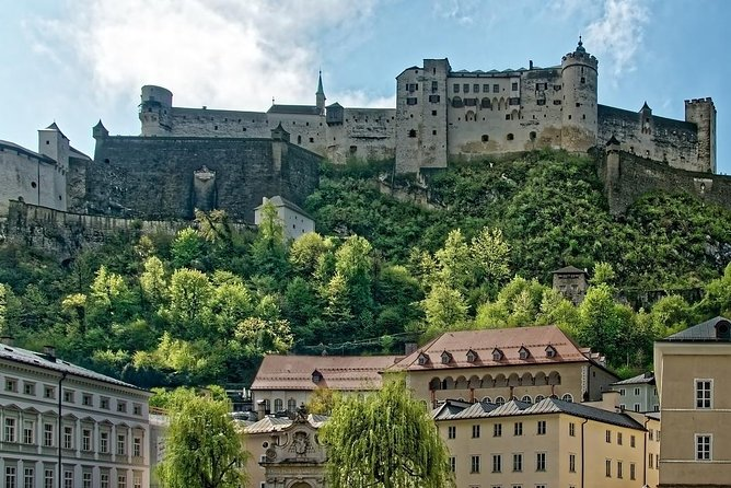 Private Transfer from Nuremberg to Salzburg with 2h of Sightseeing