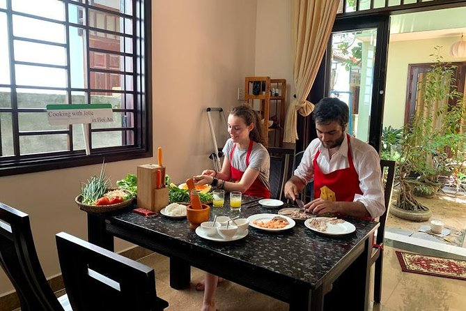 Cooking with Jolie in Hoi An and Lantern making class (JHA4)