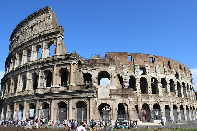 Rome exclusive experience: Colosseum guided tour with gourmet restaurant lunch
