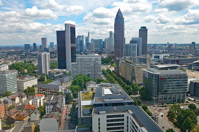 Private Transfer from Berlin to Frankfurt with 2 Sightseeing Stops