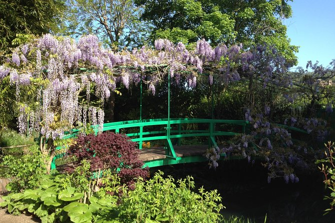 Private Giverny Tour for 3-4 persons Skip the line tickets, Pick up & drop incl photo 1