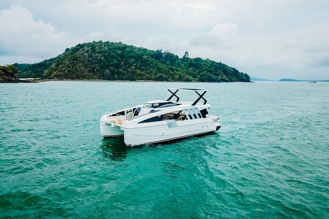 Day tour by Power Yacht to Mantanani island from Kota Kinabalu photo 1