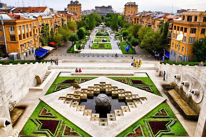 Walking city tour in Yerevan