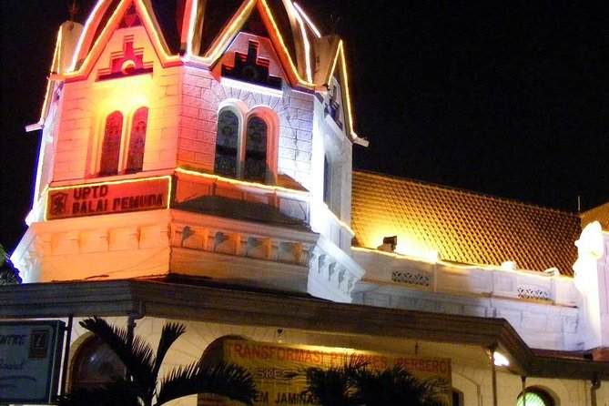 Surabaya Private Tour at Night ( with Afternoon Tea )
