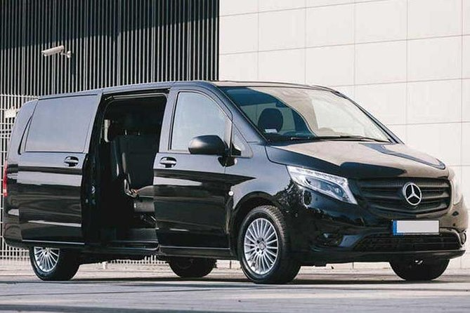 Private Transfer: Fiumicino Airport to Rome and vice versa