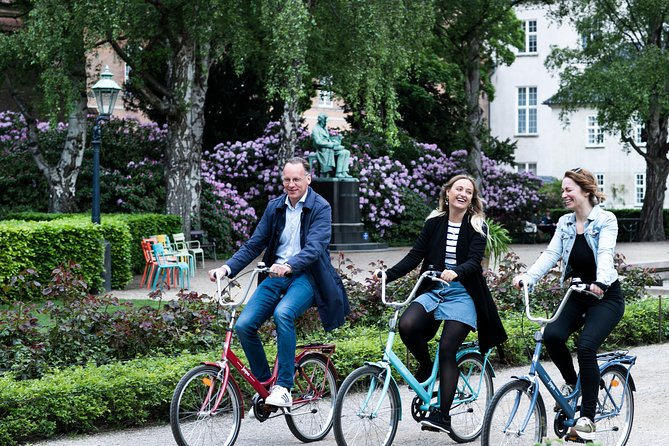 Small-Group Discovery Bike Tour in Copenhagen