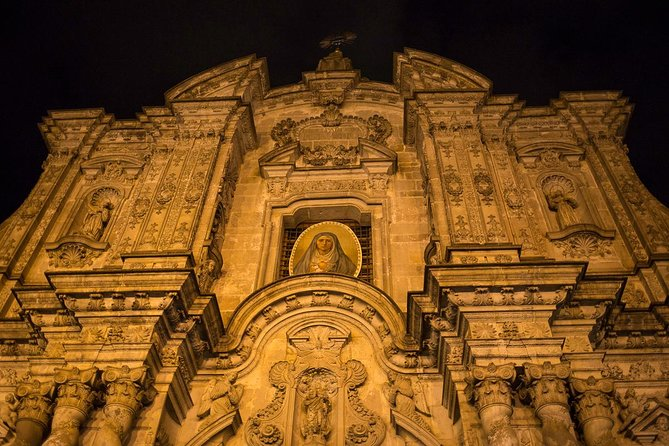 """History, Urban Legends of Quito and The Middle of the World - """"Small Group"""""""