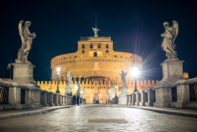 Prisoners & Ghosts at Castel Sant'Angelo Tour with Local Guide Marco