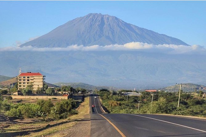 3 days hiking adventure on Mount Meru