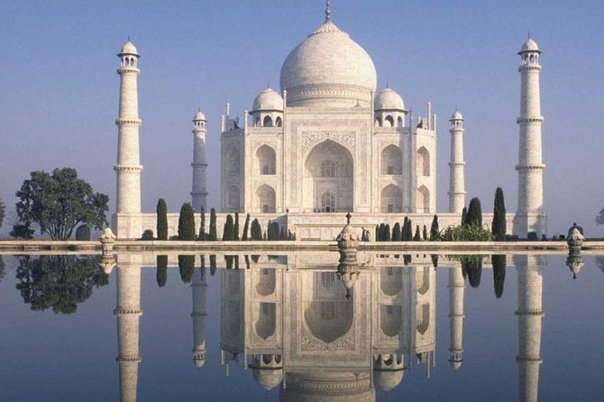 Taj Mahal Day Tour by Super luxury Car