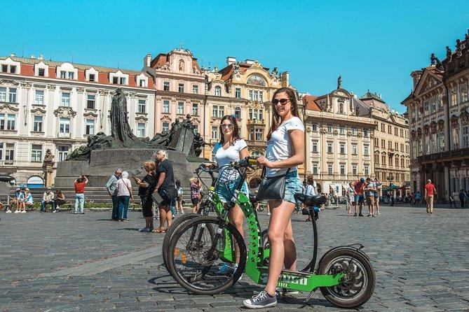 PRAGUE Quick 1HOUR E-scooter HUGO Bike TOUR