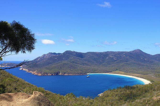 Wineglass Bay & Freycinet NP Full Day Tour from Hobart