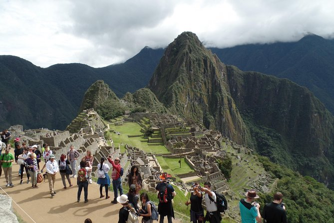 Machupicchu Tour by train I Full-Day Trip