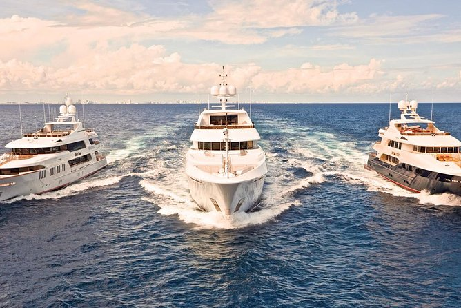 Bali Full Day Private Luxury Yacht Charter for 30 People