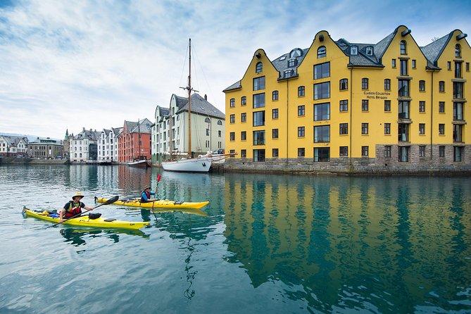 Sea Kayaking In Ålesund