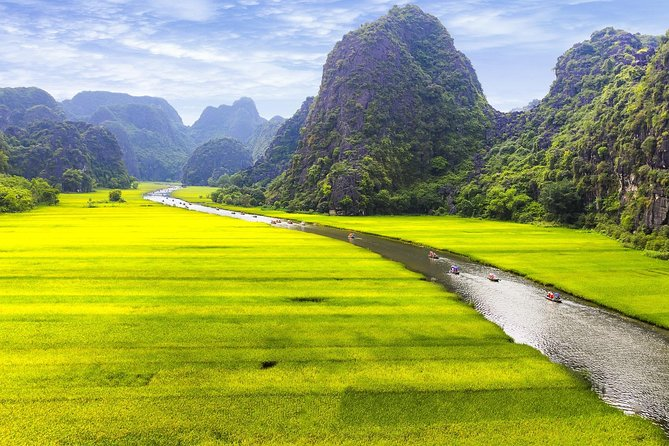 Ninh Binh 2 Day Tour from Hanoi: Boat trip, Mountain, Caves, Biking, Bungalow