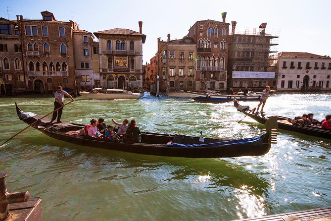 Enchanting Venice - Private Gondola Experience