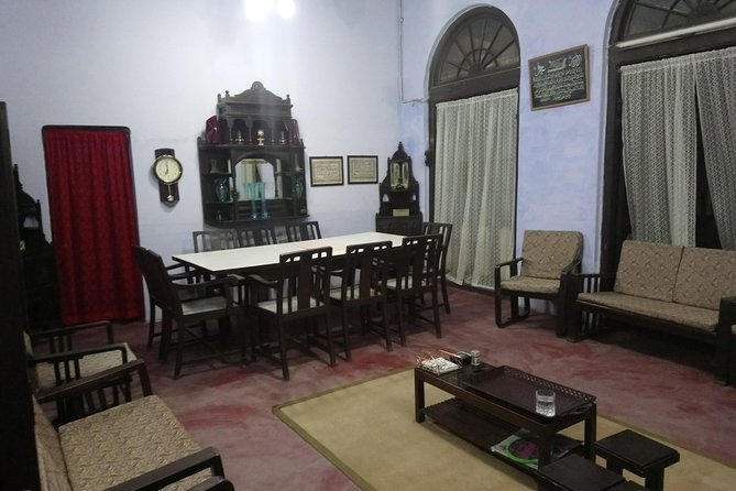 Cook and Dine in a 100-year-old Home with a Local in Lucknow
