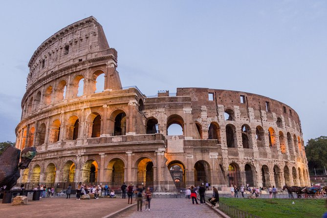 Skip the Line: Ancient Rome and Colosseum Half-Day Walking Tour with Spanish-Speaking Guide