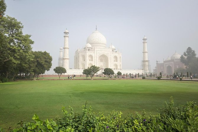 Day Trip Taj Mahal by Semi High Speed Train From Delhi & Back