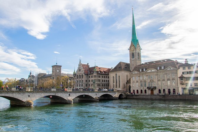 Private 2 Hours Walk through Zurich with a Local