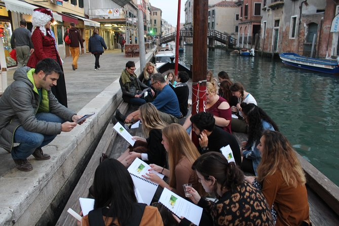 Learn Italian by walking trough Venice. Discover Venice and Italian language.