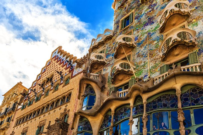Barcelona Half-Day Sightseeing Tour With Pickup - Private Tour For BCN Top 10 photo 4