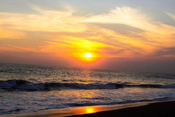 Playa De Monterrico - Pacifico Y Arena Negra -